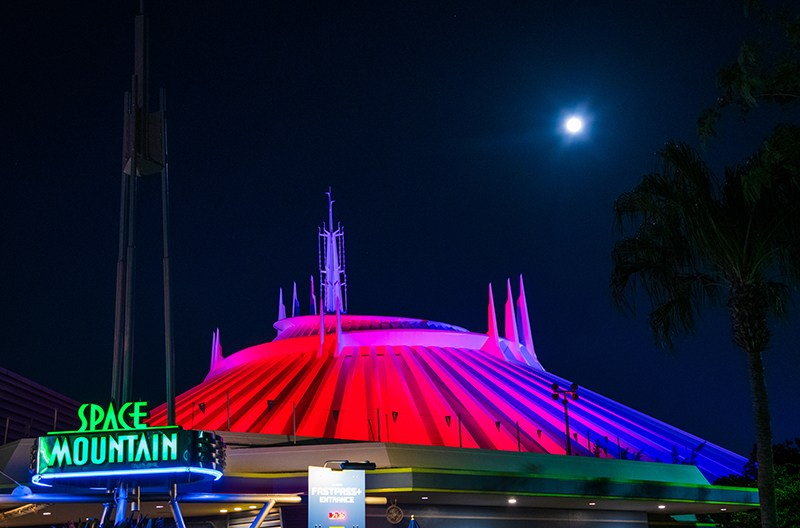 super-moon-space-mountain-magic-kingdom-disney-world-314